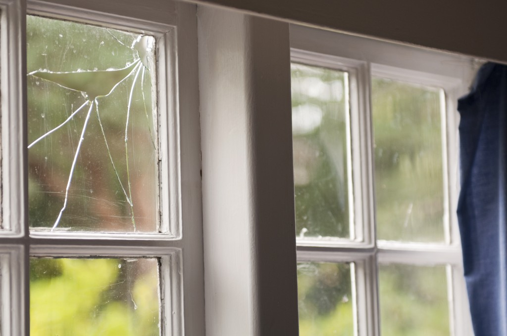 How to replace broken glass panes ck 39 s windows doors for Picture window replacement